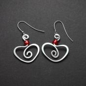 Hammered Heart Earrings Red Bead | Aluminum